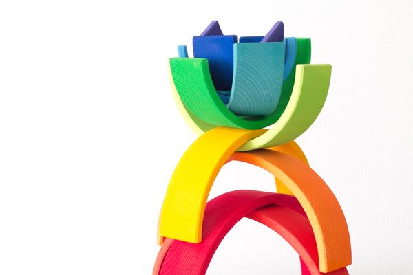 虹色トンネル大でバランス積み拡大