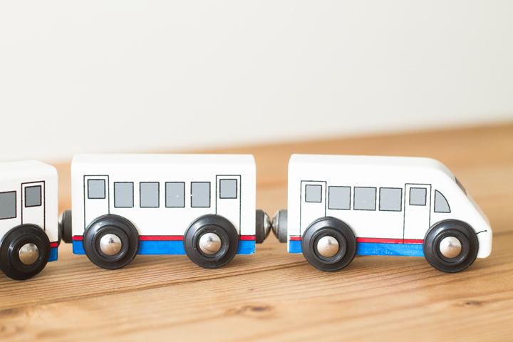 おもちゃのだいわ新幹線