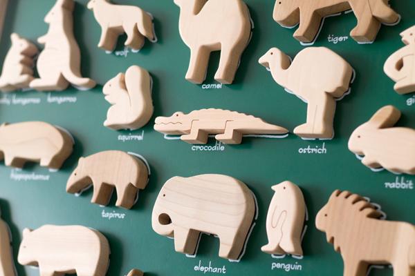 ボードと動物積み木拡大