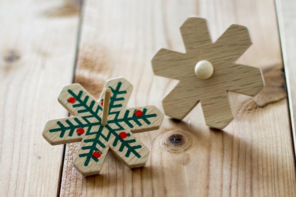 木製コマ クリスマス レッドメイン拡大