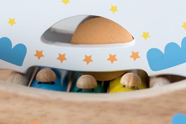 馬のおもちゃの木玉拡大