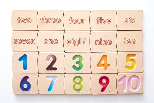 アルファベットと数字の木のタイル全種類