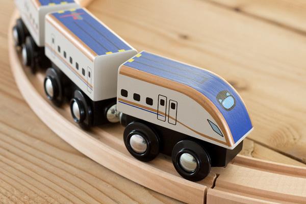 木製新幹線かがやき