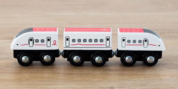 800系新幹線つばめ3両編成
